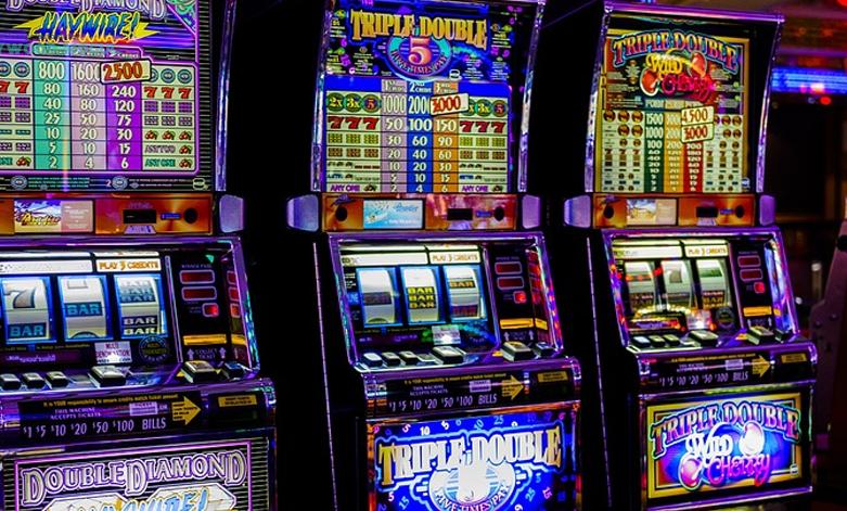 Lär dig hur du spelar online-spelautomater inspirerade av filmen Casino Royale